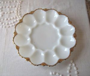 Anchor Hocking Fire King 896 Milk Glass Pattern Deviled Egg Plate