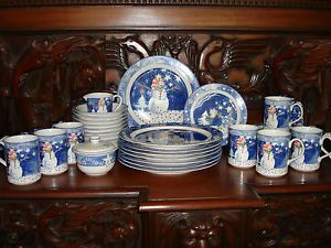 Noritake Epoch Mr Snowman Complete Christmas Dinnerware China Set for 8