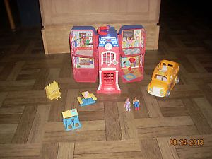2002 Fisher Price Sweet Streets School w Accessories Bus Piano Desk Table GUC