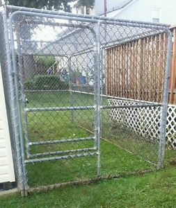 Chain Link Dog Run Kennel 14 Feet Long Will Consider All offers Pick Up Only