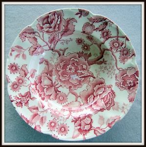 Beautiful English Chippendale Johnson Bros Rose Ivory Flower Pattern Bowl