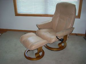 Ekornes Stressless Tan Leather Recliner Chair Ottoman Eames Mid Century Danish