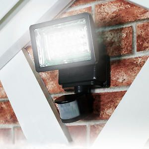 New Super Solar Powered Motion Detection Outdoor Security Light 18 LED Bulbs