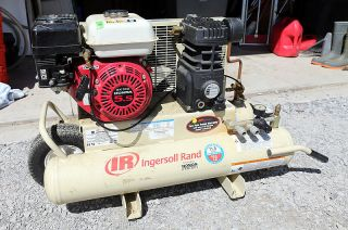 Ingersoll Rand Gas Portable Air Compressor 5 5 HP 11 8 CFM Honda
