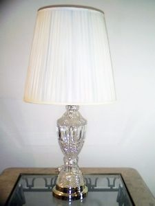 Clear Crystal Cut Glass Vase Lamp w Metal Gold Color Base Table Lamp