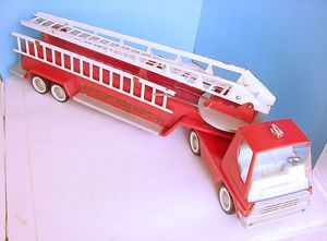 "1960s Nylint Aerial Ladder Fire Engine Pressed Steel Truck 29"" w Side Ladders"