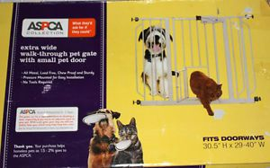 ASPCA Extra Wide Walk Through Pet Door Gate Expandable Doorway Cat Dog New