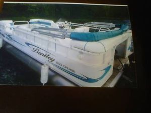 2006 Bentley 20 ft Pontoon Boat 50 HP 4 Stroke Mercury Big Foot