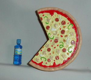 Barbie Doll Household Accessories Food Pizza Magnet and Bottled Water Fr Display