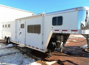 FeatherLite Horse Trailer with Living Quarters