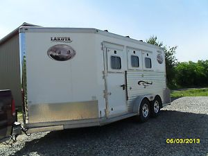 2006 LAKOTA 3 Horse Bumper Pull Trailer Trade