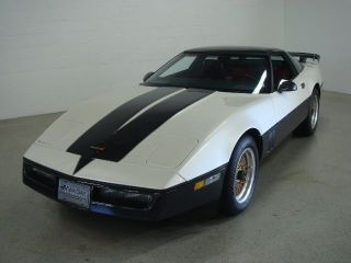 1984 Chevrolet Corvette White Red Custom Paint Job 69K Miles