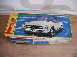 Vintage Battery Operated Tin Plate Mercedes Benz 230 SL Car