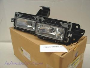 GM 1992 1993 Chevrolet Geo Storm Guide Halogen Headlight Assembly 97025338