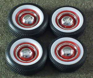 1 25 Scale Model Car Parts Junk Yard White Wall Tires Red Wheels Ford Hubcaps