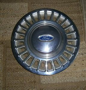 1995 Ford Crown Victoria Police Interceptor Hubcaps Original