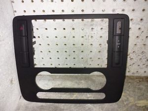 04 07 Ford Freestar Radio Climate Control Dash Trim Bezel