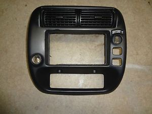95 04 Ford Explorer Ranger Dash Radio Climate Bezel Trim Fog Light Panel