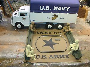 Marx Army Truck Accessories 4 Soldiers Canopy Airhorns 2 Benches and Hardware