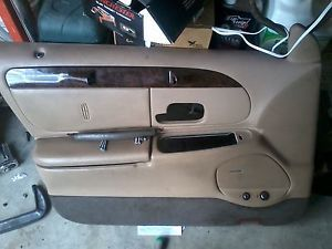 1998 2002 Lincoln Town Car Interior Driver's Front Door Panel