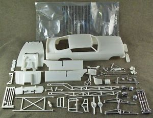 1 25 Scale Model Car Parts Junk Yard Barracuda Funny Car Body Chassis