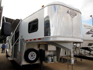 2006 Hart Trailers 39' 4 Horse Trailer Outlaw Living Quarters Generator More