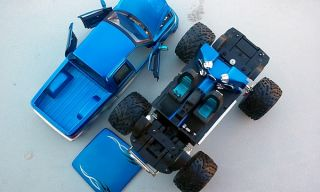 1 18 Lifted Ford F 150 Blue 4x4 Pickup Monster Truck Dub City Big Wheels Diecast