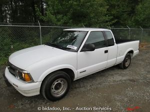 Chevrolet S10 LS Pickup Truck 6' Bed Auto Extended Cab Bed Liner Chevy Bidadoo