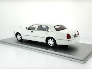 1 43 2011 Lincoln Town Car White Resin Model by Luxury Collectibles Hand Built