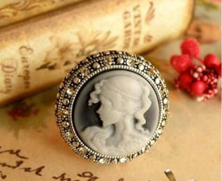 Fashion Rings Vintage Crystal Heart Pearl Portrait Gun Gem Jewelry Gift Love