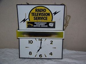Vintage 1950's Sylvania Radio Television Tube Service Lighted Clock Sign Runs