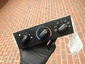 6482 Ford Mustang 99 00 01 Temp AC Heat Climate Control Panel Unit Switch