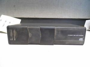 CD Changer 6 Disc CD Player Trunk Mounted 03 06 Lincoln Town Car 395021