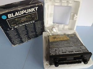 Vintage Retro 1980s Blaupunkt Paris R25 Push Button Car Radio Cassette Player