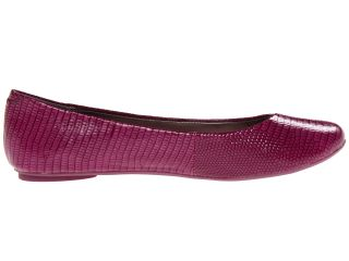Kenneth Cole Reaction Slip On By Berry Lizard Patent