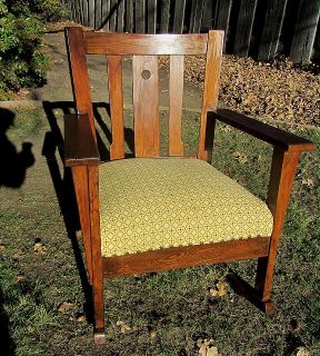 Beautiful Antique Arts and Crafts Mission Style Oak Rocking Chair
