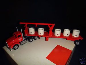 Winross Monarch Concrete Newberrytown PA Tractor w Flatbed Trailer Truck Diecast