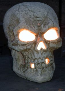 Spooky Halloween Lighted Skeleton Skull Eyes and Face Glow Giant