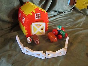 Little Tikes Barn Animal Farm Fence Lot Toy Kids Play Building Animals