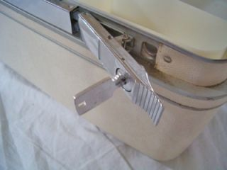 Vintage Hard Side Samsonite Silhouette Train Case White Marble Key Tray Mirror