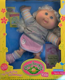 Cabbage Patch Kids Doll Maddie Mara Blonde Hair Teal Eyes 2 Teeth October 18