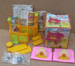 1981 Mego Corp Flippo Trippo Clown House Figures
