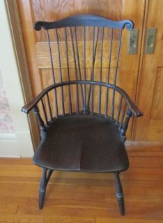 Antique George III Early American Windsor Comb Back Elbow Arm Chair Mid 1800s