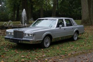 1986 Lincoln Town Car Factory Sunroof Leather Only 40K Original Miles