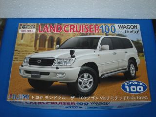 Fujimi 1 24 Toyota Land Cruiser 100 Wagon VX Car Kit 038001