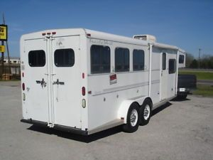 Clean 1999 Trailswest 3HORSE Slant Living Quarters Trailer