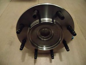 Cadillac Front Wheel Bearing Limo Hearse FW 114 8 Lugs 2000 2011
