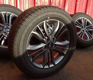 Hyundai Tucson Factory Wheels Tires Rims 225 60R17 Kumho Tire Tucson SE 17