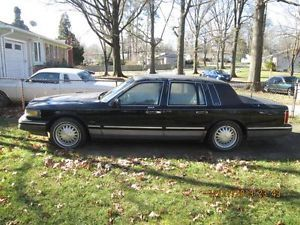 1995 Lincoln Town Car Executive Limousine 4 Door 4 6L