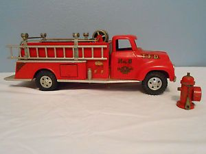 Vintage 1955 Tonka No 950 6 Suburban Pumper Fire Truck with Accessories
